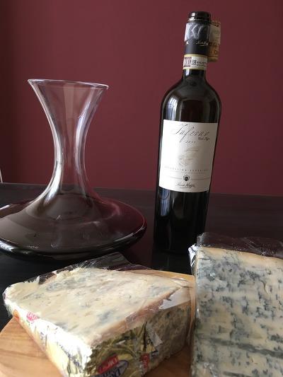 이탈리아 와인과 어울리는 이탈리안 치즈를 찾아라, 제(1)회- 기특한 곰팡이
